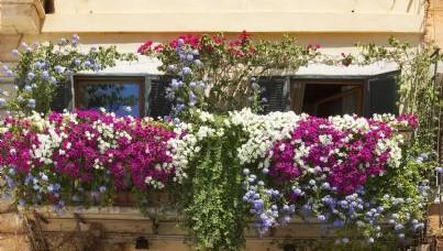 Condominio: balconi e frontalini, chi paga le spese di riparazione?